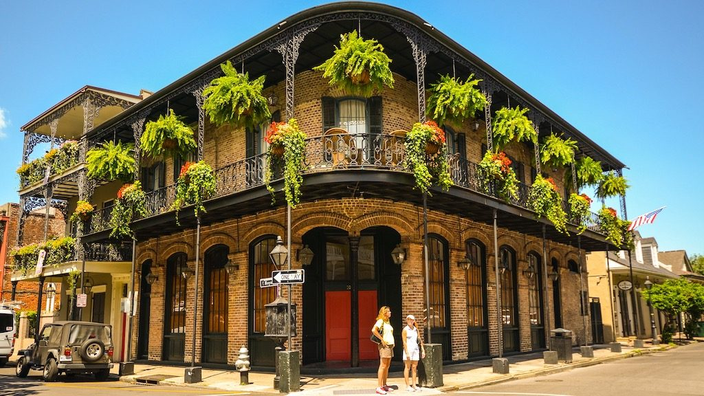 Nonstop via AA! Chicago to New Orleans and vice versa for $44 one-way ($88 round-trip)